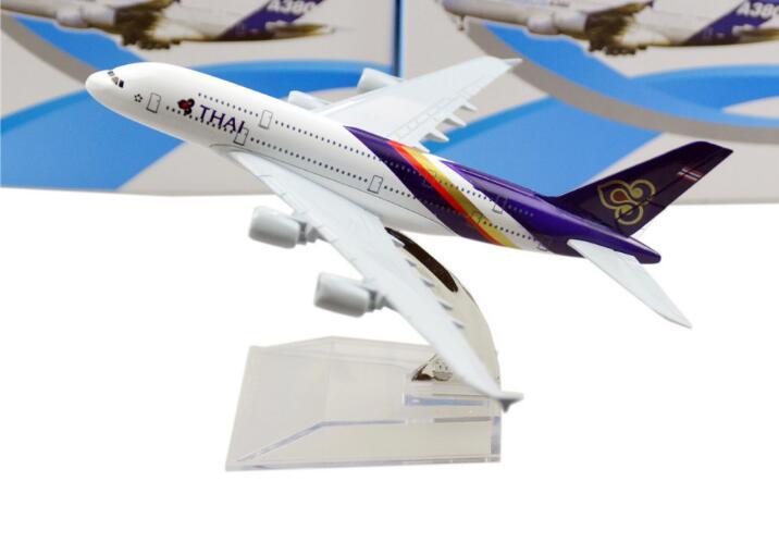 Modelo de avião de presente chilren A380 Tailândia A380 Airlines aircraft Metal modelo de avião de simulação para o miúdo brinquedos de presente de Natal