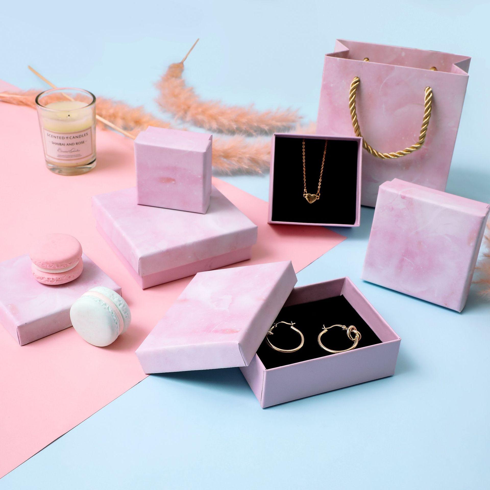 10 Pcs/Lot Wholesale Pink Box Rainbow Printing Kraft Paper Favour Gift Jewelry Box/Bag Vintage Design Bulk Rings/Earrings Box