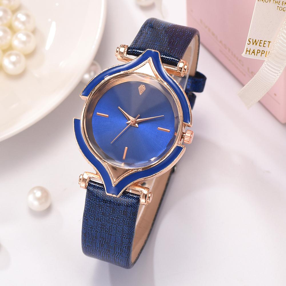Fashion Wrist Watch Women Faux Leather Strap Peach Shape No Number Analog Quartz Wrist Watch Exquisite Quartz Watch Elegant Lady
