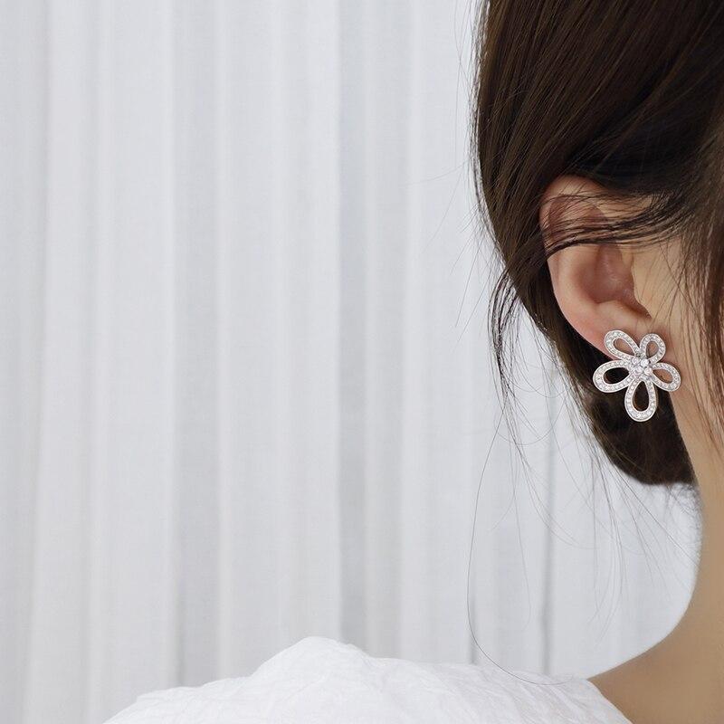 Ins offre spéciale de luxe 14k véritable or soleil fleur femmes collier délicat Bling Micro incrusté Zircon Colar bijoux cadeau d'anniversaire 6
