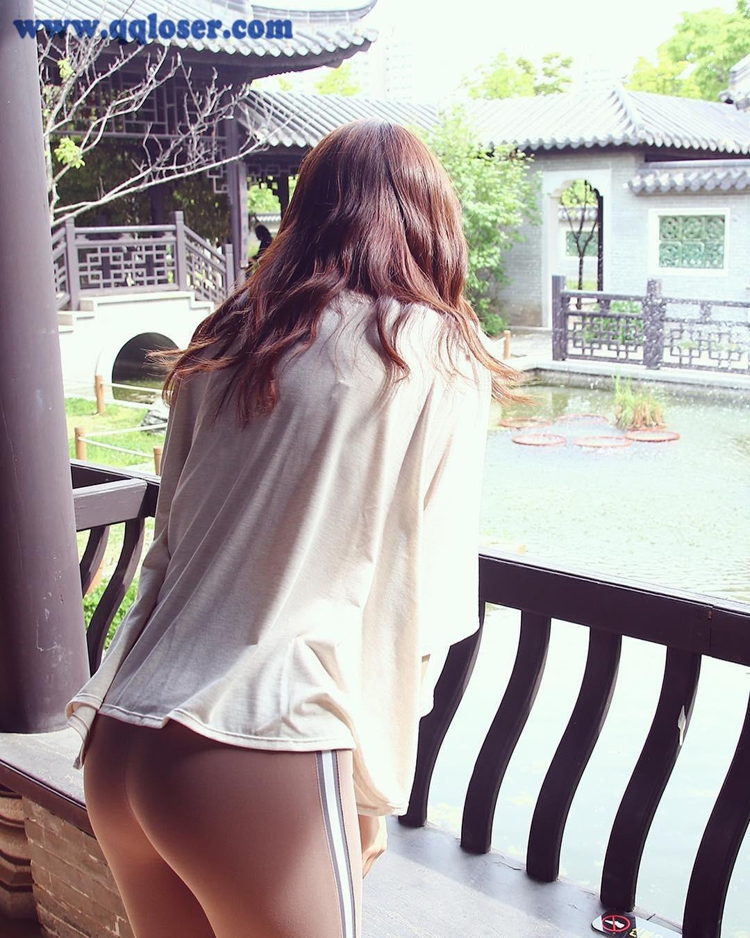 韩国人气较高的网红妹纸avril2day,背影桃心臀是她的杀手锏!