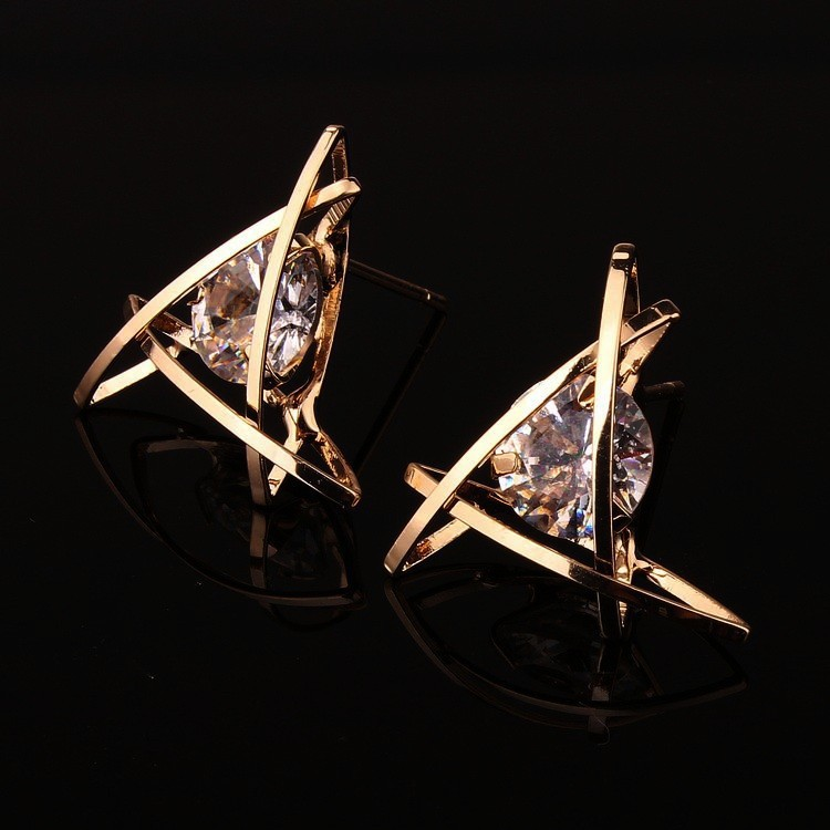 Women's earrings 2019 Europe and the new jewelry geometric hollow square triangle zircon earrings fashion banquet jewelry 3