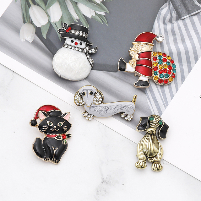 snowman elk  gifts box  gloves penguin Santa pins brooches enamel cartoon red hat merry christmas brooch party christmas gifts 2