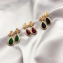 Vintage Small Drop Earrings For Women 2019 New Simple Temperament Earrings Hollow Out Flower Waterdrop Design цена