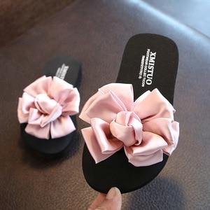Детская летняя обувь, цветочные шлепанцы для девочек, высококачественные ручной работы для девочки Тапочки, классические синие женские тап...
