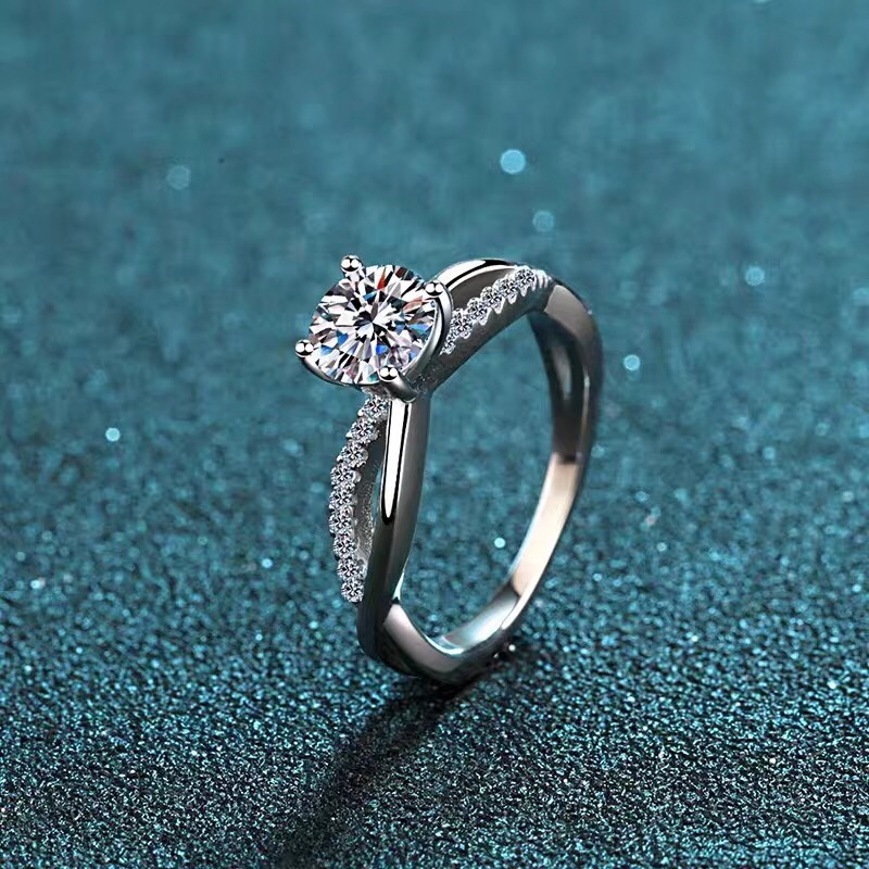 Moissanite rings color D VVS1 .GRA and CMA certificate. Black card 925silver Luxury Ladies Ring