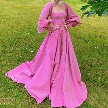 Uzn и элегантное платье розового цвета с квадратным вырезом
