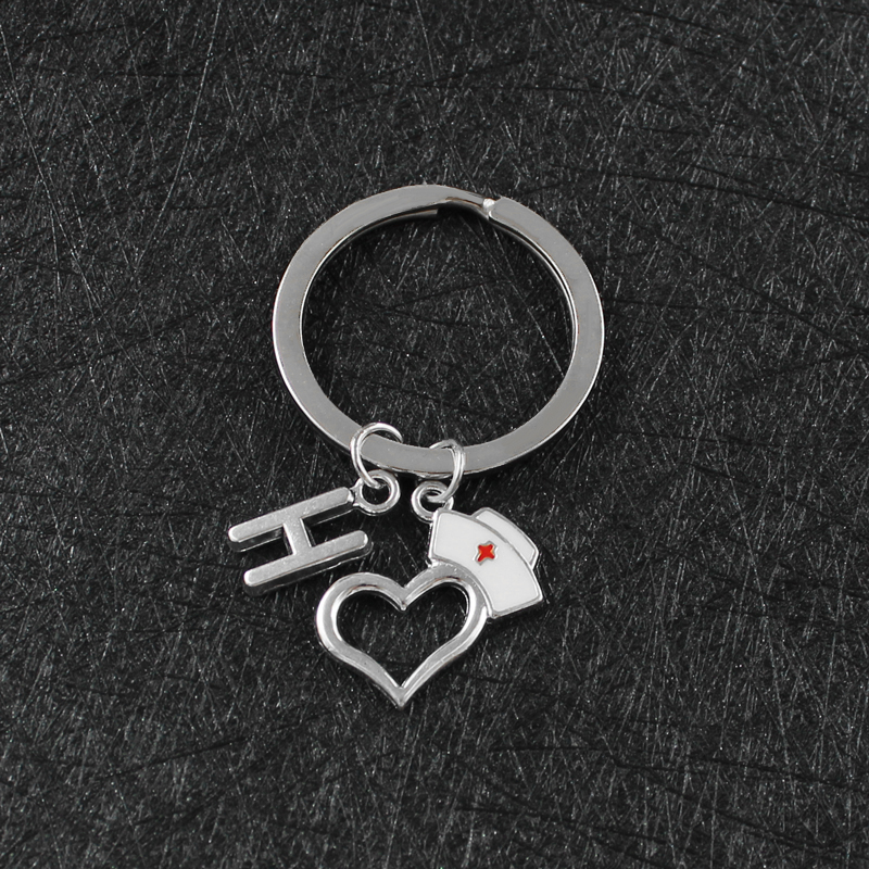 Love Heart Nurse Cap 26 Letter Keychain Creative Personality Red Cross Prayer Souvenir Nurse Doctor Fashion Graduation Gift