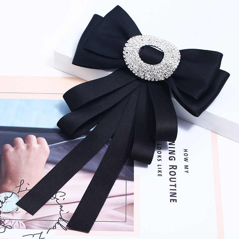 新しいクリスタルレトロ生地蝶ノットブローチファッション女性アパレル蝶ネクタイ結婚式の衣服宴会用品