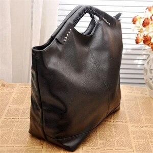 Image 3 - Bolso para mujer de alta calidad, negro, pu, paquete de remaches, grande, famoso diseñador, bolso de hombro, 2020
