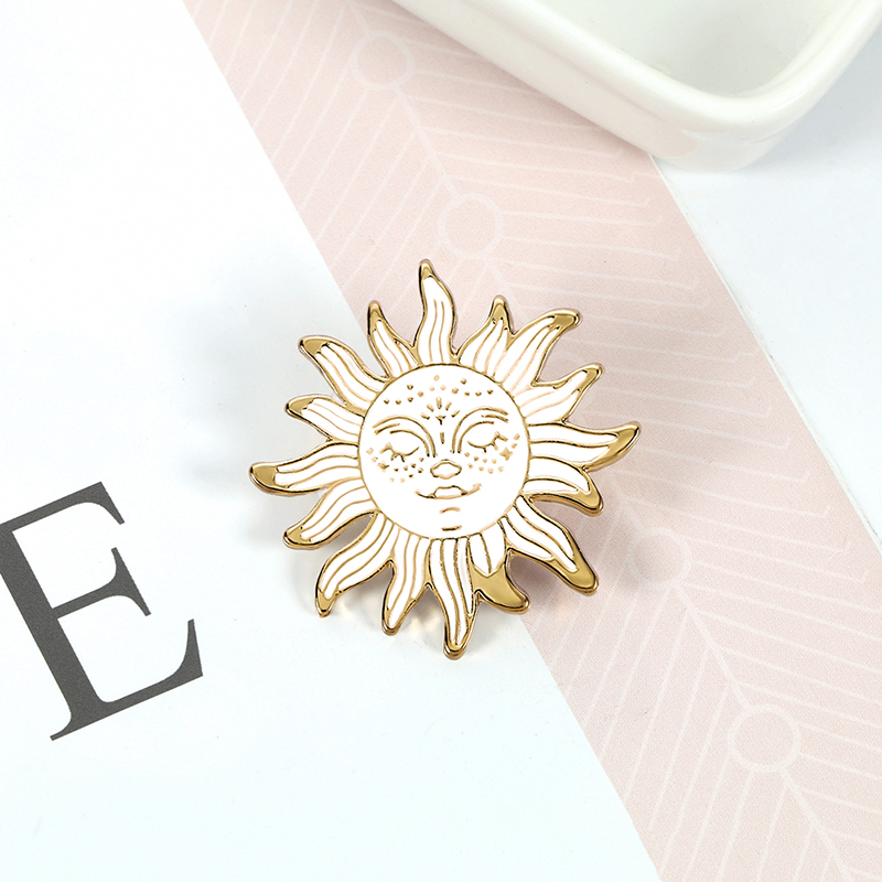 Cartoon Waves Brooch Vintage Sun and Moon Round Enamel Pins Adventure Explore Camping Badges for Women Shirts Lapel Pin Jewelry 4