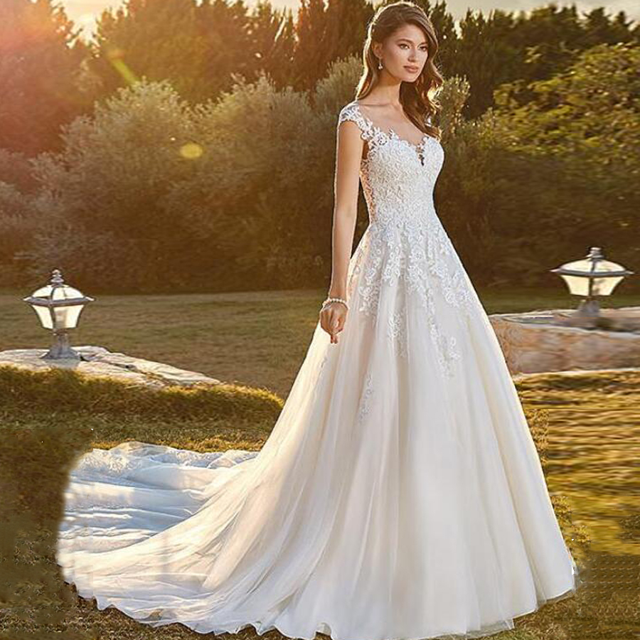 Tulle Scoop Neckline Cap Sleeve Long A-line Wedding Dress Lace Applique Illusion Court Train Bridal Married Dress