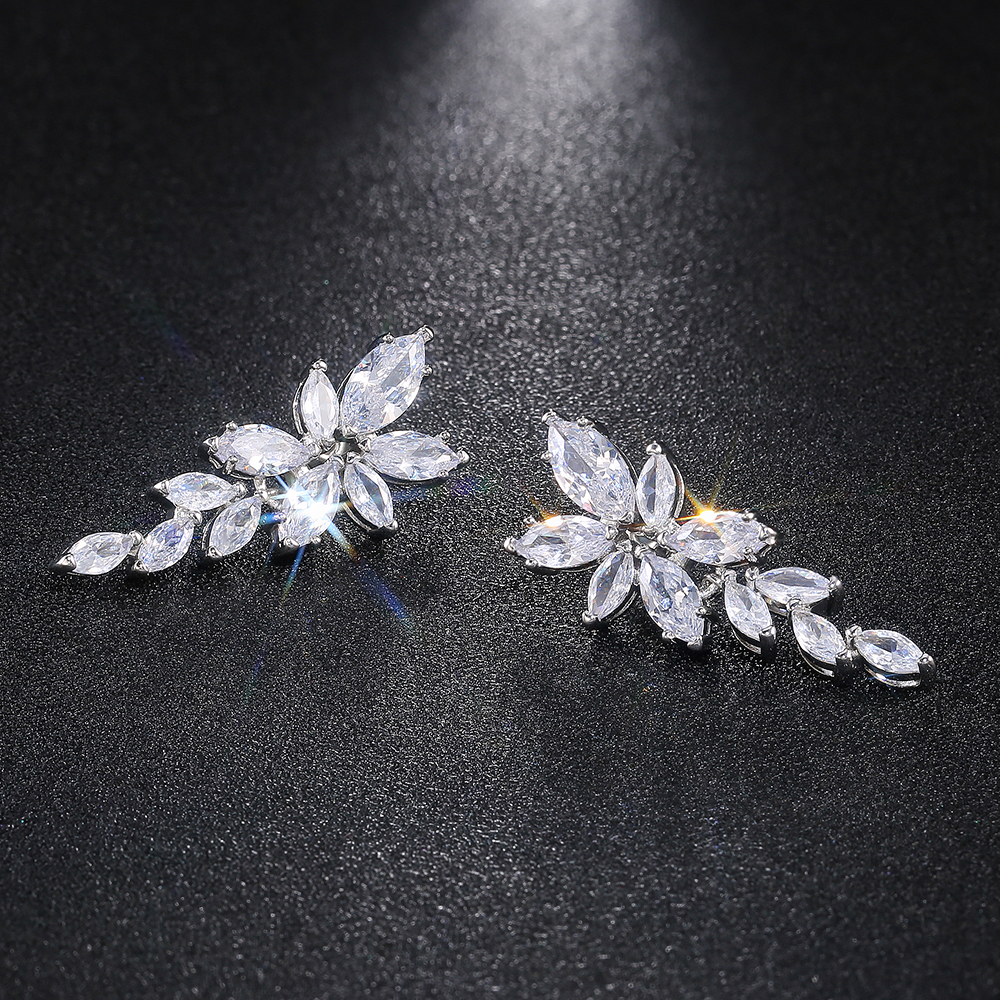 Huitan Luxury AAA Marquise Zircon Women Wedding Earring Gorgeous Leaf Shape Charm Top Quality Silver Color Lady Earrings Jewelry