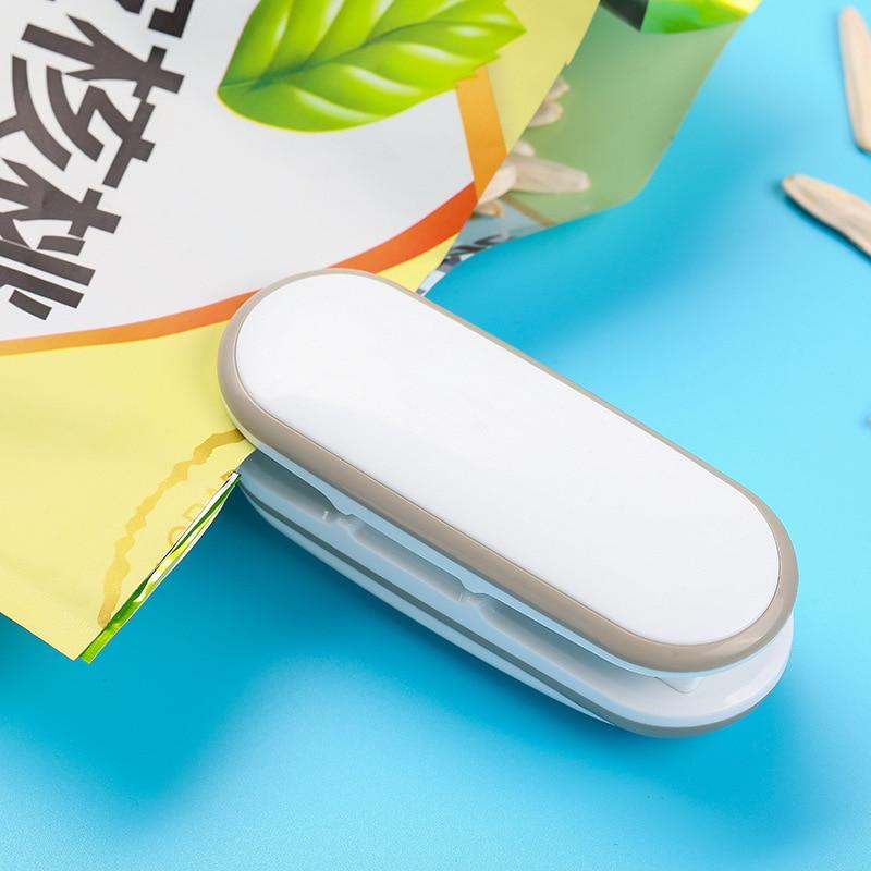 Mini máquina de selagem portátil, pequena seladora a calor manual para lanches e bolsas, utensílios de cozinha 1 peça