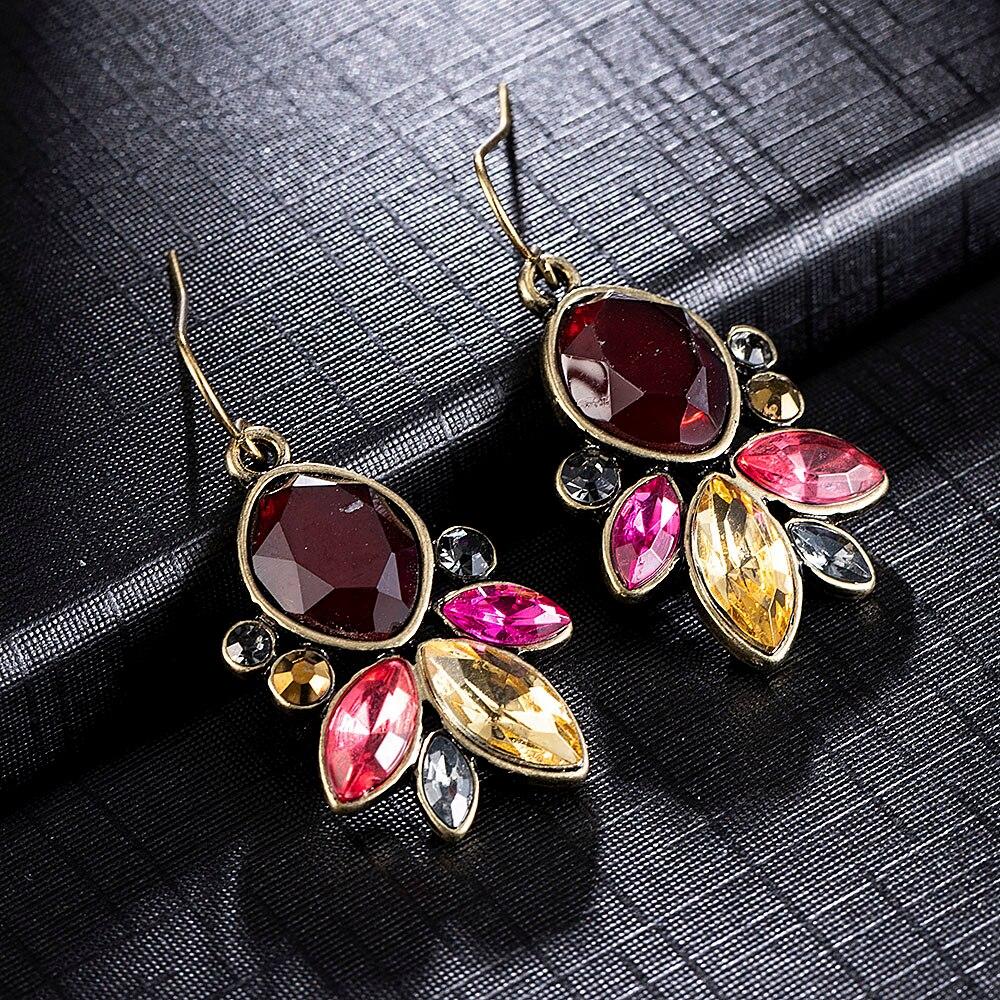 New Fashion Earrings Rhinestone Sweet Metal with Gems Ear Stud Earrings for Women Crystal Earring Wholesale Brincos