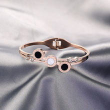 Женский браслет из титановой стали с золотым покрытием