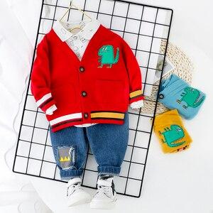 Image 3 - פעוט ילד בגדי סטים עבור ילד ילדה תינוק 2020 חדש אופנה דינוזאור 3pcs לסרוג מעיל חולצת ג ינס סט בגדים בני 1 2 3 4 שנה