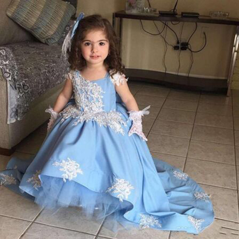 Cute Appliques Tiered Draped Cap Sleeveless A-line   Flower     Girls     Dresses   Vintage Sleeveless O-neck Floor Length Communion Gown