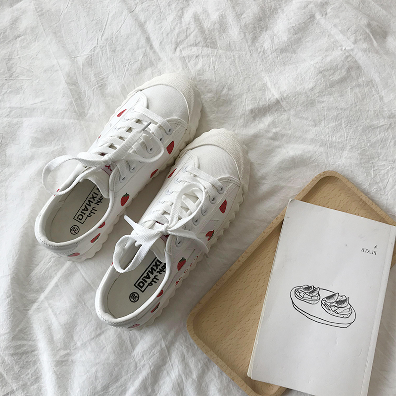 Strawberry Canvas Shoes Student Korean Version   Trend Casual Shoes Womens New Flat Shoes Women Fashion Cute Summer White Shoes