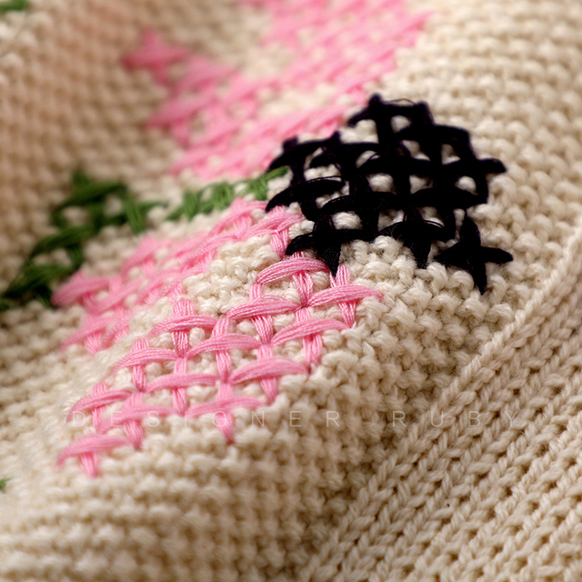 Casual cardigan with floral embroidery