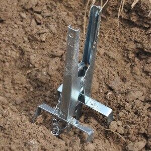 Image 3 - Trampa para topos galvanizada multifunción, Control duradero, fácil instalación, eliminador de tipo tijera, jardín, reutilizable, Color aleatorio