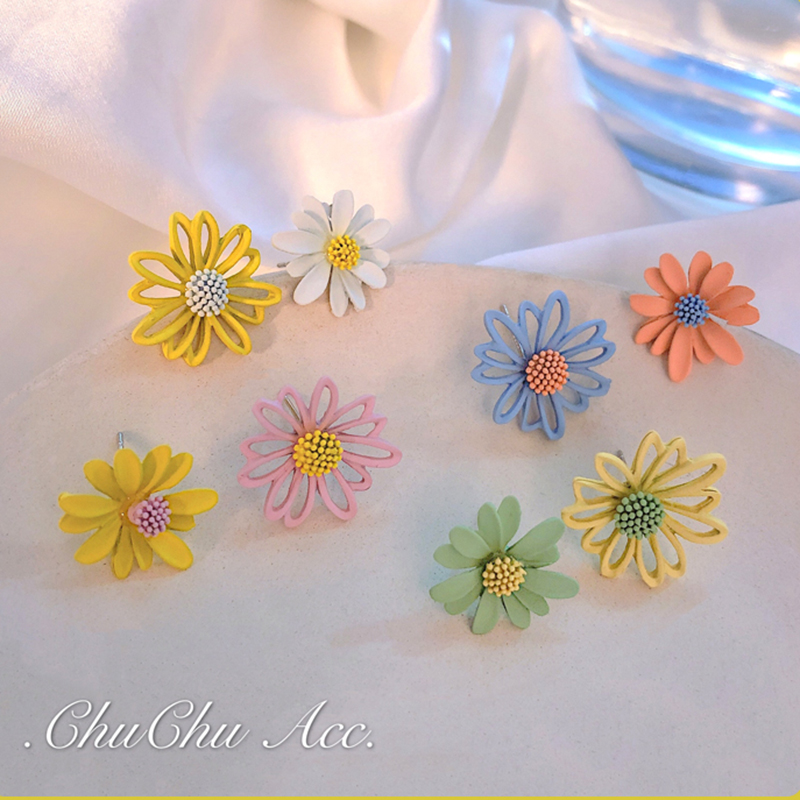 Daisy Earrings 2020 New Korean Temperament Net Red Small Fresh Earrings Wild Flower Earrings Exquisite Fashion Stud Earrings