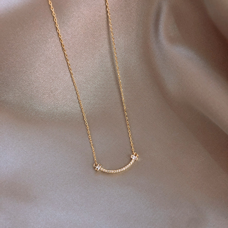 Korean Classic Simple Crystal Pendant Gold Necklace Woman Fashion Personality Clavicle Chain Jewelry Anniversary Gift for Girls
