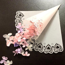 10pcsCustom Wedding White Confetti Love Lace Paper Petals Candy Placed Natural Cones For Party Decoration