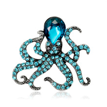 2018 New Korean Cute Girl Brooch Simple Animal Brooches Pins for Women Men Rhinestone Glass Octopus Fashion Corsage Accessories