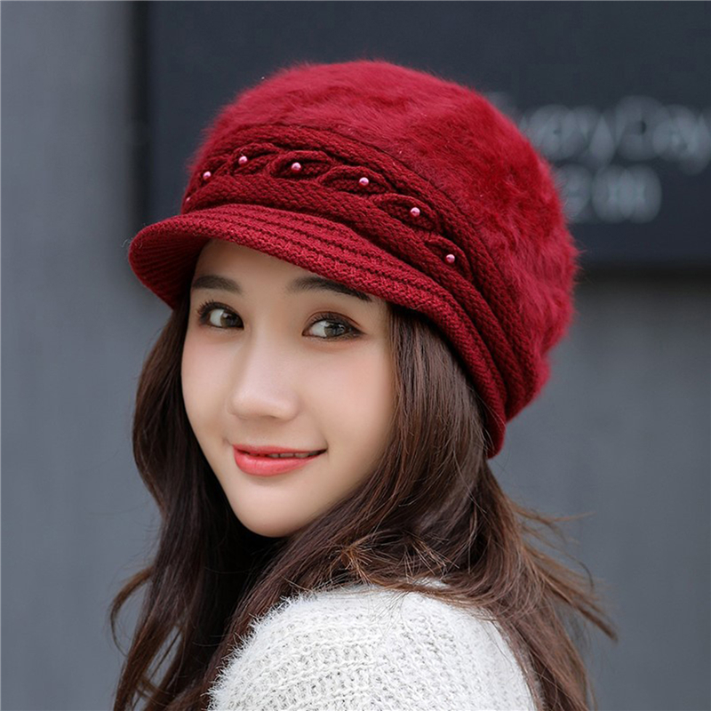 New Pearl Peaked Hat Ladies Winter Thermal Knitted Cap Windproof Solid Color Earmuffs Hat Autumn Female Beret Cap