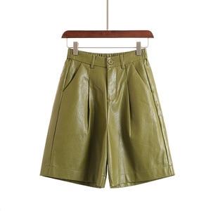 Image 4 - S 4XL Fashion PU Leather Shorts Womens Autumn Winter Bermuda Elastic Waist Loose Five Points Leather Trouser Plus Size Shorts
