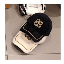 01911-mujiao зимняя теплая Женская бейсболка из искусственного меха с буквами и бриллиантами
