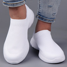 White Sneakers Women Flats Slip on Sock Shoes Casual Lightweight Summer Women Vulcanized Shoes Ladies Trainers Basket Femme