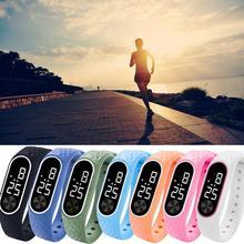 Светодиодный электронные спортивные кремнезема пластмассовые часы модные Для мужчин и Для женщин часы нарядные часы цифровые часы Модные подарки Для мужчин, мужские часы
