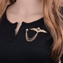 Gariton Real Shooting Luxurious Plated Gold Collar Brooches For Women Rhinestone Wings Latters S Tassel Chain Men Brooch