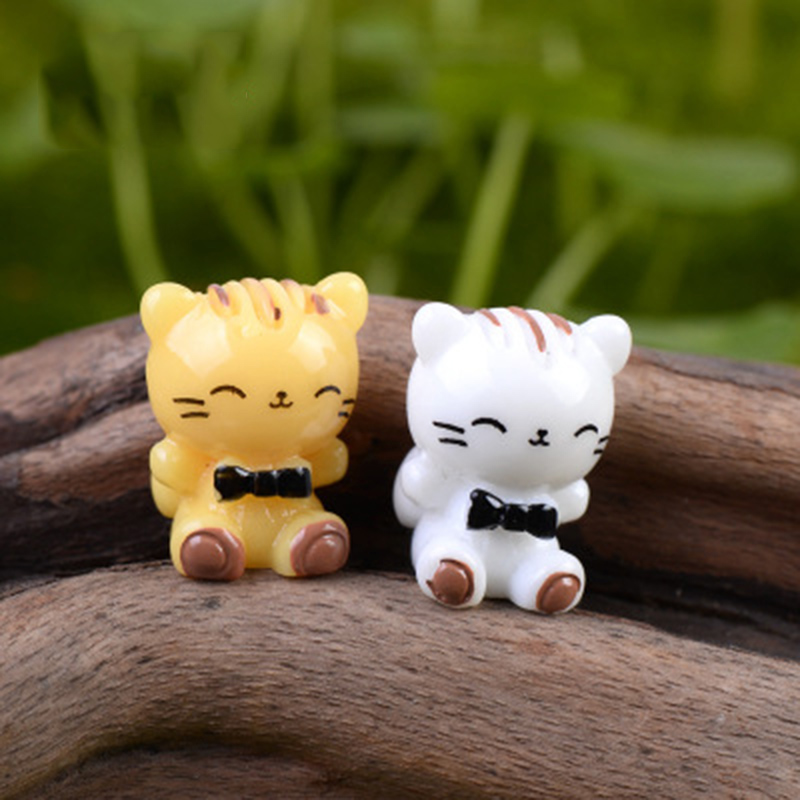 Happy Cartoon Cat White Yellow Love Kitten Kitty Statue Figurine Crafts Figure Ornament Miniatures Home DIY Decoration