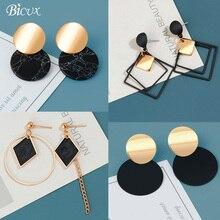 BICUX корейские массивные черные акриловые Висячие серьги для женщин модные ювелирные изделия винтажные геометрические золотые асимметричные серьги