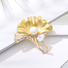 Trendy Leaf Brooches For Women 2020 Biloba Pearl Pin Brooch Crystal Brooches Pins Jewelry Pendant Brooch Vintage Accessories trendy rhinestoned faux pearl brooch for women