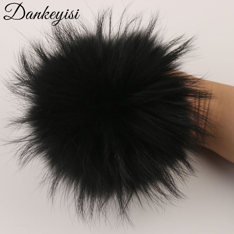 Image 2 - DANKEYISI 5 шт. 100% помпоны из натурального меха 14 15 см DIY помпоны из меха енота лисы меховые шарики для шапок шарф обувь вязаная шапка, кепка, бини-in Мужская Skullies & шапочки from Аксессуары для одежды on AliExpress - 11.11_Double 11_Singles' Day