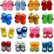 Детская зимняя обувь для новорожденных милые мягкие кроватки для тех, кто только начинает ходить, ручной работы вязаная крючком для девочек, для мальчиков трикотажные теплые зимние пинетки От 0 до 1 года