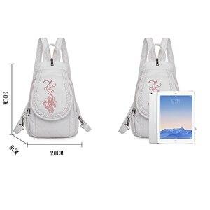 Image 4 - 新しい女性バックパックファッション刺繍花女性の胸バッグソフト洗浄革トラベルバックパックbagpack mochila feminina