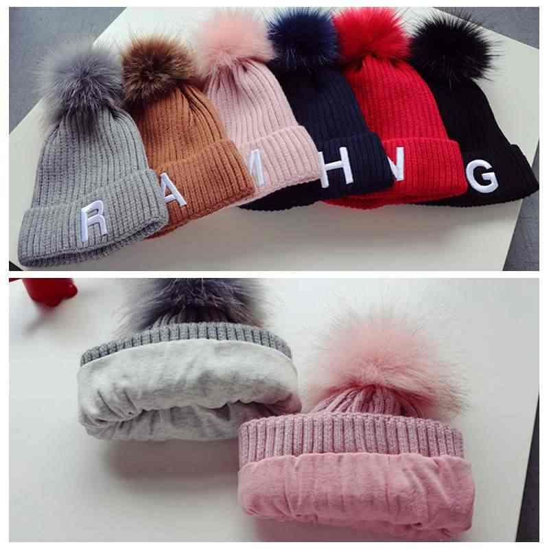 Детская трикотажная шапка с вышитыми буквами детские зимние шапки с меховым помпоном шерстяные детские вязаные шапки для девочек и мальчиков утепленная теплая шапка
