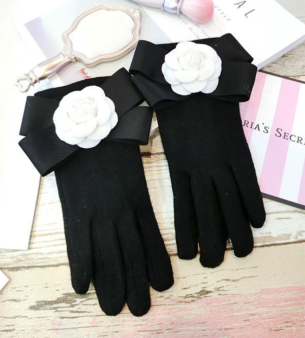 SP&CITY Bow White Camellia Winter Women Gloves For Phone Cashmere Touch Screen Black Gloves Winter Thickening Keep Warm Mittens
