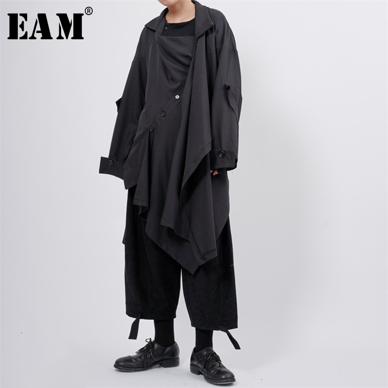 [EAM] Women Asymmetrical Button Split Long Trench New Lapel Long Sleeve Loose Fit Windbreaker Fashion Spring Autumn 2020 1K295