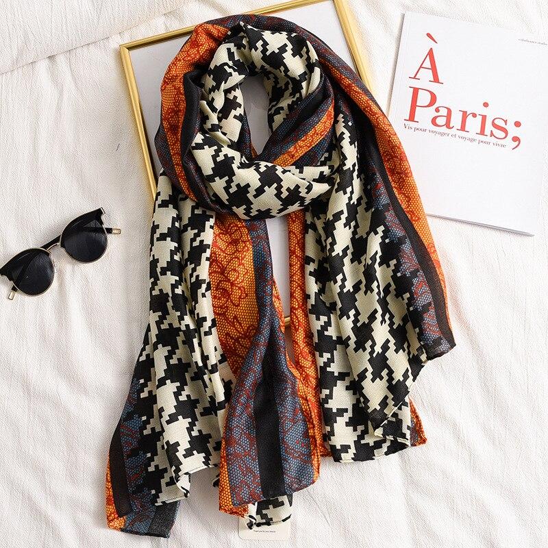 New Style Chinese Luxury Silk Autumn And Winter Lady Popular Chain Print Cotton Scarf Women Sunscreen Shawl Fashion Headscarf