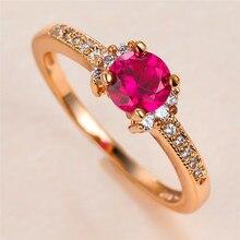 Fêmea bonito Rose Red Crystal Pedra Anel de Charme Cor de Rosa de Ouro Anéis de Casamento Para As Mulheres De Luxo Noiva Rodada Zircon do Anel de Noivado