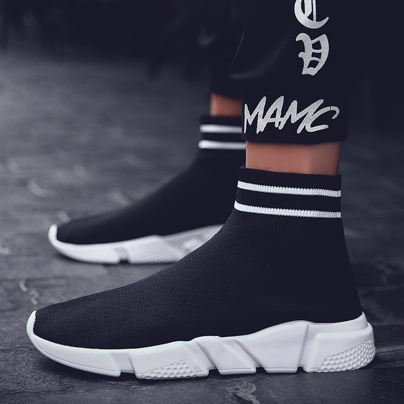 2020 Light High Top New Breathable Flying Socks Shoes Men Sports Elastic Socks Sneakers Woman Ladies Flat Running Walking Shoes