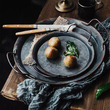 European Retro Metal Plate With Handles Handcrafted Round Wrought Vintage Storage Bread Tray Home Decoration Garden Restaurant(China)