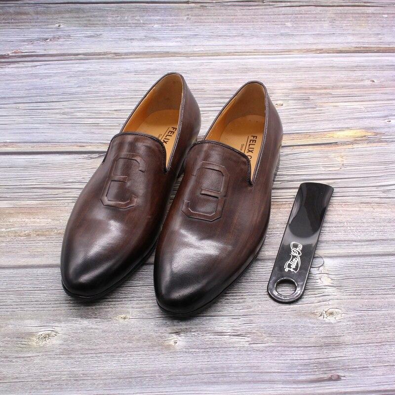 à mão de couro marrom sapatos casuais