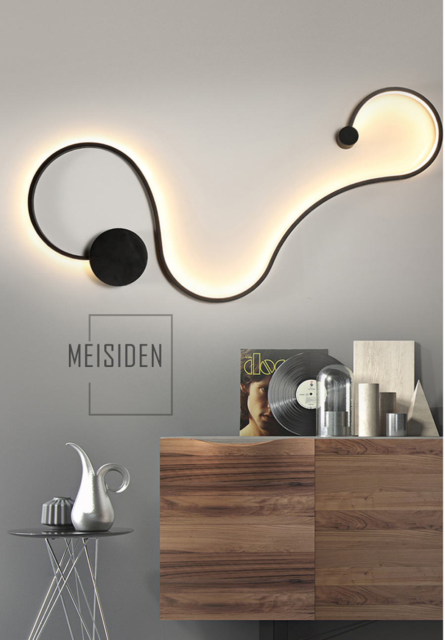 Lámpara de pared crea finas líneas de luz